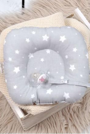 Дитяча подушка для новонароджених з тримачем Білі зірки на сірому