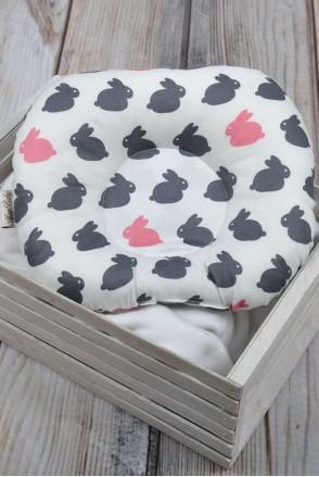"""Детская подушка для новорожденных """"Зайчики"""""""