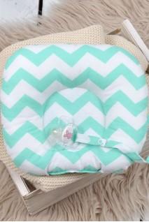 Детская подушка для новорожденных с держателем Мятный зигзаг
