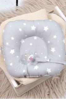 Детская подушка для новорожденных с держателем Белые звезды на сером
