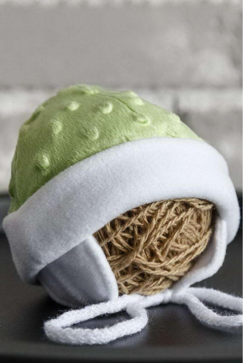 Плюшева шапочка Newborn салатова