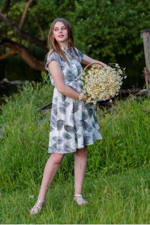 Платье ALEX темно-оливковые листья на молочном фоне для беременных и кормления